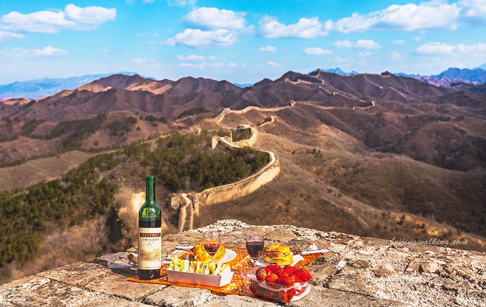 Jinshanling to Gubeikou Great Wall Hiking with Gourmet Picnic